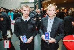 VAATA VIDEOT PÄÄSTMISEST | Kalamehe kaldale toonud mehed said täna elupäästja medalid