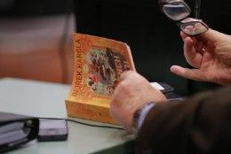 SAVISAAR LOEB, 2. OSA | Kohtu ette astunud eksmeeril käsil uus raamat