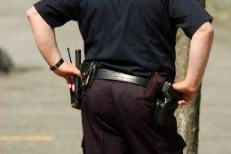 PERVERT POLITSEIMUNDRIS: patrullpolitseinik lunis kümneaastaselt plikatirtsult alastipilte