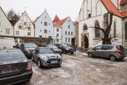 Tallinna talvine parkimiskorraldus lükkub edasi