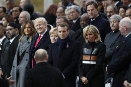 Pariisis tähistati Esimese maailmasõja lõppemise 100. aastapäeva meeleavalduste ja Femeni tempude saatel
