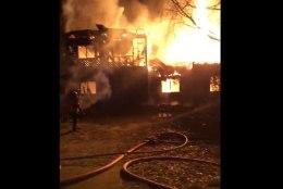 VIDEO | Pärnus süüdati mahajäetud elumaja