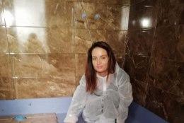 """TV3 VIDEO   """"Naabrist parem"""" täna: vannitubade ehitus paneb kannatuse tugevalt proovile!"""