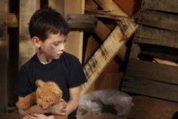 ÕUDUSTE KODUD: lastega pere riided lebavad loomade väljaheidetega segamini