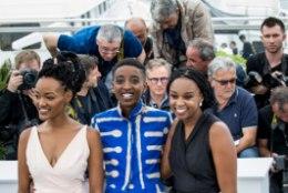 """GALERII   ÕHTULEHT CANNES'IS: festivalil linastunud draama """"Rafiki"""" on kodumaal Keenias keelatud"""