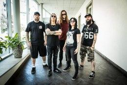 ÕL VIDEO   Hard Rock Laagri peaesineja Lacuna Coil: uue kitarristi jaoks on bänd nagu sõjavägi