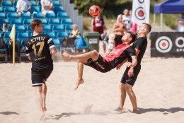 JÄRELVAADATAV | Eesti parimad rannajalgpallurid müttasid suvepealinnas