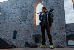 GALERII | Tommy Cash andis Pirita kloostris väljamüüdud kontserdi