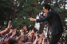 GALERII | Positivuse viimase päeva lõpetanud Nick Cave: milline veider lava!