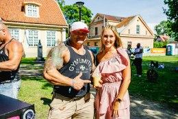 PILDID | Kulturismi maailmameister nautis Haapsalus kohvitamist ja kenasid Eesti piigasid