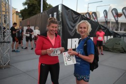 GALERII   IRONMAN triatlonfestivali heategevusjooks startis päikeseloojangul