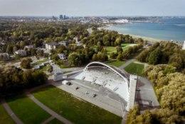 DROONIVIDEO JA FOTOD | Tallinna lauluväljakul algasid laulukaare renoveerimistööd