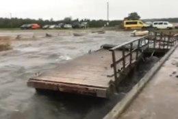 VIDEOD | Torm rapib Vilsandi sadamat ja uputab saart
