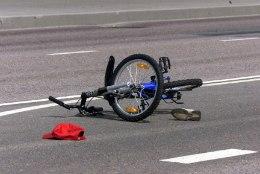 Politsei otsib Tartus lapsele otsa sõitnud ratturit, laps murdis mõlemad sääreluud!