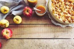 Seda sa pead proovima: valmista soolakaramelliga õuna-juustukook