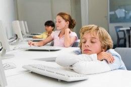 SPETSIALIST SELGITAB: mida võidaks lapse tervis, kui koolipäev algaks hiljem?