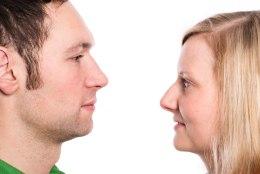 NAISE AHASTAMA AJAV AVASTUS: mees otsib suhtlusportaalis teisi sekspartnereid