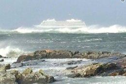 VIDEOD   Norra rannikul jäi merehätta 1300 reisijaga kruiisilaev