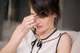 PEA VALUTAB HÄIRIVALT: kas uni leevendab või hoopis tekitab peavalu?
