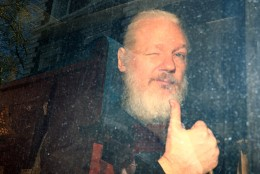 VIDEO | Londonis pidas politsei kinni WikiLeaksi asutaja Julian Assange'i