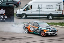 VIDEO JA FOTOD | Kõrvulukustava mootorimüra ja rehvivilina saatel avati Tallinnas uus driftihooaeg