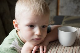 TUHANDED VAJAVAD ABI: miks meil on nii palju murelikke lapsi?