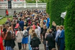 PRESIDENT OTSUSTAS: Kadrioru roosiaeda on palutud kõigi koolide esindajad