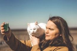 LEMMIK | Kass Annabel, kes käib kõikjal koos perenaisega
