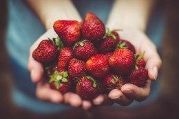 Imelihtne ilunipp: värskendav maasikatega näomask, mis paneb naha särama