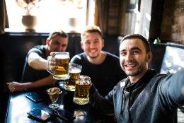 KAS PEAKSID JOOMISE PÄRAST JUBA MURETSEMA? Endine alkohoolik toob välja neli kindlat ohumärki