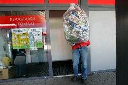LÄTI TAARA UPUTUS: külalistemaja perenaine pole kaks aastat näinud Eesti napsipudeleid