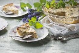 NÄDALA KOOK | Kodune ja mahlane rabarberi-jogurtipirukas
