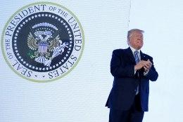 TRUMPI SUUR VÕIT: kohus andis USA presidendile piiritara ehitamiseks vajalikud miljardid