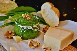 PUHKUS LÄBI, RAHA OTSAS: tee kartulikoortest maitsev ahjuroog ja viska närtsinud till supi sisse