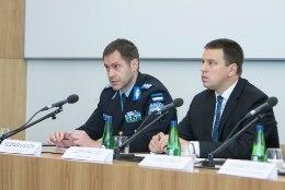 Jüri Ratas: ma ei arva, et siseminister peaks skandaali pärast puhkuse katkestama