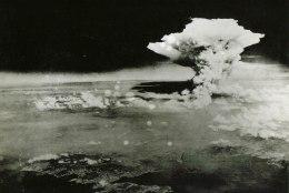 MINEVIKUHETK | 6. august: ameeriklased heitsid Hiroshimale laastava aatomipommi