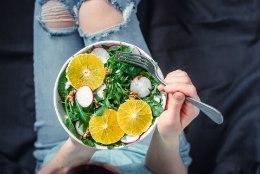 VEGAN EI PRUUGI KAALU LANGETADA | 10 küsimust ja vastust, kuidas taimne toit salenejat aitab. Või kiusab