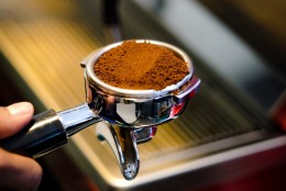 Tee kohvi valmistamine mõnusaks rituaaliks ehk Kuidas töötab käpaga espressomasin?