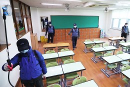 Reps: koroonapiirkonnast naasnud koolilapsel on õigus kaks nädalat kodus õppida