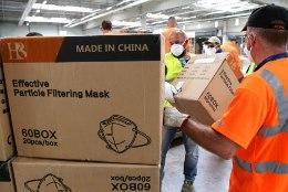 SOOME MASKIFIASKO: politsei vahistas haisvaid maske müünud ärika