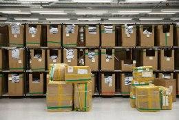 LÖÖK RAHAKOTILE: Omniva tõstab kirjade ja pakkide saatmise hindu