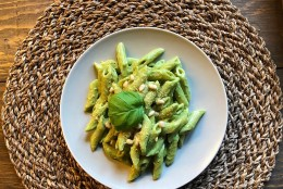 TAIMNE PÄEVARETSEPT | Avokaado-pesto pasta