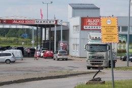 Statistikaameti uuring: piirikaubandus meelitab eestlasi nii soodsama alkoholi, kütuse kui toiduga