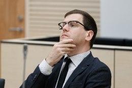 """Prokurör nõuab Peeter Helmele tingimisi vangistust lapseealise seksuaalse ahvatlemise eest. Helme: """"Ma ei ole süüdi!"""""""