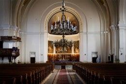 PIIRANGUD   Esmaspäevast suletakse kõik kirikud. Tallinna praost: selles otsuses on midagi ääretult valet
