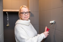 Kerli Dello õpetab, kuidas värvida keraamilisi plaate