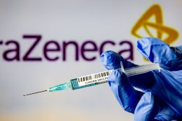 KUIDAS VÄHENDADA RISKE: Euroopa ravimiamet arutab AstraZeneca vaktsiini ohutuse üle