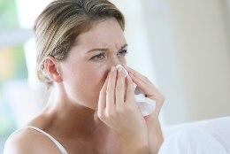 KAS SEE VÕIB OLLA ALLERGIA? Spetsialist selgitab, mis võib peituda tilkuva nina ja aevastamise taga