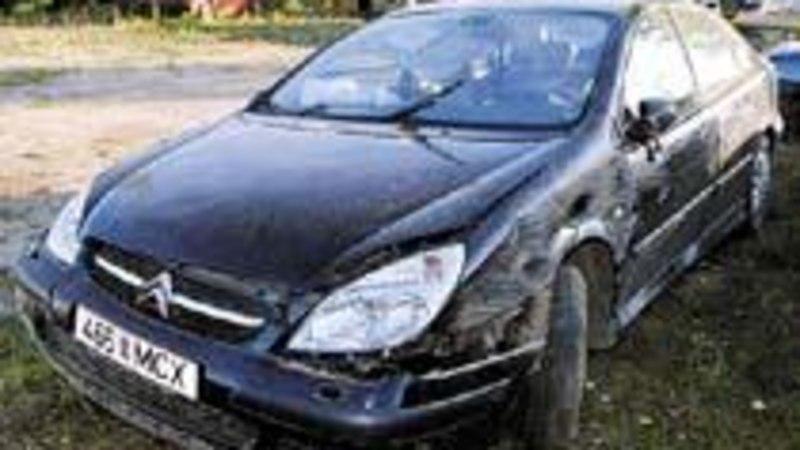 Võru linnavolikogu liige Jüri Kaver paiskus autoga üle katuse