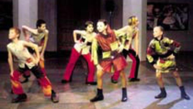 Teater õpetab moodi tundma ja laval liikuma